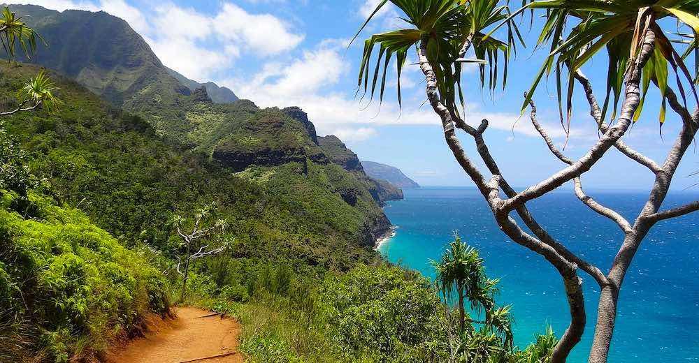island hopper Hawaii article to learn how to travel Hawaiian islands
