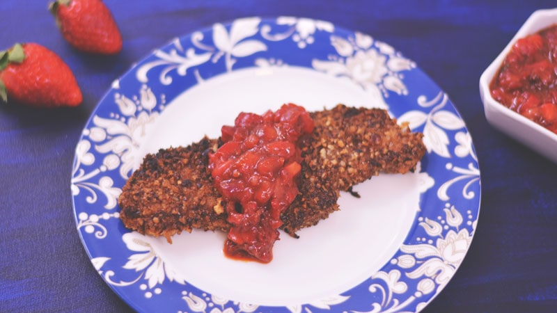 Pecan Crusted Chicken with Strawberry Chipotle Salsa | #FLStrawberry