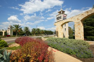 The Rim represents Big V Property's first Texas acquisition and expands Kimco Realty's portfolio in a region it has already targeted for growth. (JLL)