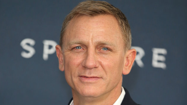 LONDON, ENGLAND - OCTOBER 22:  Daniel Craig attends a photocall for