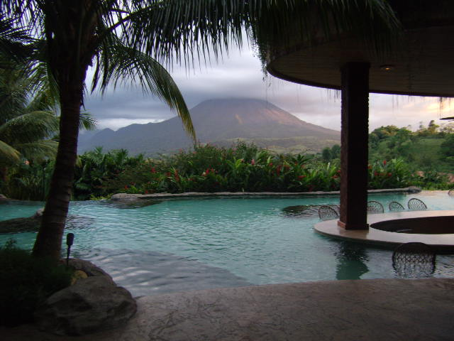 "Five Minute Read: ""The Best Hot Springs In La Fortuna / Arenal, Costa Rica: Baldi, Ecotermales, Tabacon, Or The Springs Resort?"""