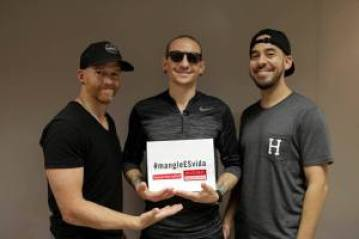 Dave Farrell, Chester Bennington y Mike Shinoda de Linkin Park