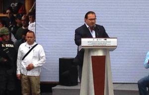 """""""En Veracruz, el que la hace la paga"""", asegura el Gobernador en Coatzacoalcos."""