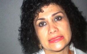 La regidora Isabel Morales Aguirre, de la comisión de ornato, parques y jardines de Minatitlán.