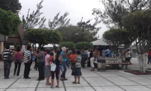 habitantes de Las Barrillas y el Manantial piden desazolve de su drenaje.