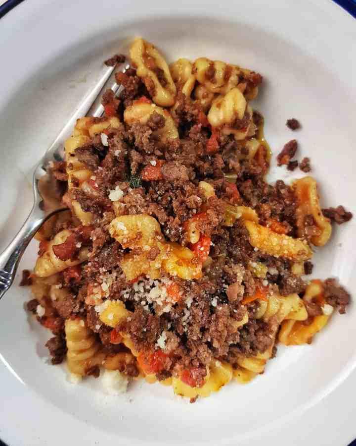 Gnocchetti cu sos și carne de oaie