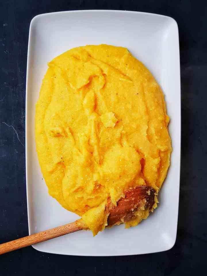 Agnello in umido/Tocană de miel cu mini-bulzuri