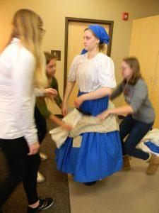 overskirt down, Cinderella