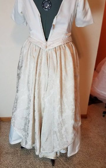 back of tablecloth overskirt