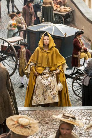 Outlander robe jaune