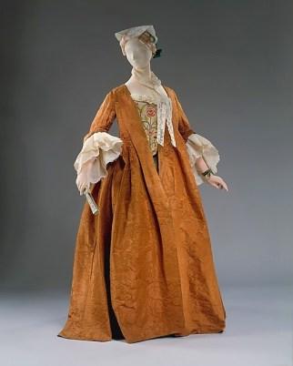 robe-volante-1735-1740-metropolitan-museum