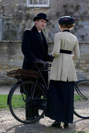 A CARNIVAL FILMS PRODUCTION FOR ITV1. DOWNTON ABBEY. EPISODE 3 ITV's new costume drama series, Downton Abbey, written and created by Oscar-winning writer Julian Fellowes and made by Carnival Films for ITV will star Maggie Smith as Violet, Dowager Countess of Grantham, Hugh Bonneville as Robert, Earl of Grantham and Elizabeth McGovern as Robert's wife, Cora, Countess of Grantham. They will lead an all-star cast, which also includes: Penelope Wilton, Dan Stevens, Michelle Dockery, Jim Carter, Phyllis Logan, Lesley Nicol, Siobhan Finneran, Rob James Collier, Joanne Froggatt and Rose Leslie. Set in an Edwardian country house in 1912, Downton Abbey will portray the lives of the Crawley family and the servants who work for them. PICTURED: DAN STEVENS as Matthew Crawley. This photograph is (C) ITV Plc/CARNIVAL FILMS and can only be reproduced for editorial purposes directly in connection with the programme or event mentioned above, or ITV plc. Once made available by ITV plc Picture Desk, this photograph can be reproduced once only up until the transmission [TX] date and no reproduction fee will be charged. Any subsequent usage may incur a fee. This photograph must not be manipulated [excluding basic cropping] in a manner which alters the visual appearance of the person photographed deemed detrimental or inappropriate by ITV plc Picture Desk. This photograph must not be syndicated to any other company, publication or website, or permanently archived, without the express written permission of ITV Plc Picture Desk. Full Terms and conditions are available on the website www.itvpictures.com Photographer: NICK BRIGGS. For further information please contact: patrick.smith@itv.com