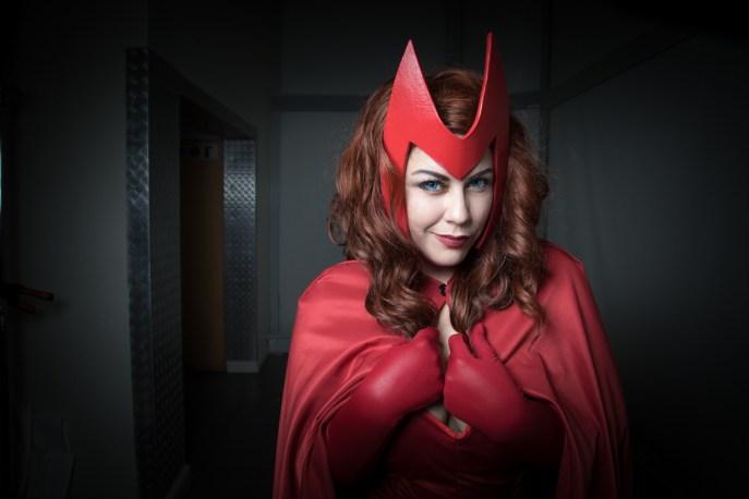 Cosplayer:@iambakasakura Character: Scarlet Witch From: X-Men Photographer: @cosweplayproject