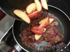 filet-veau-pommes-amp-noisettes-L-0Y4SsC