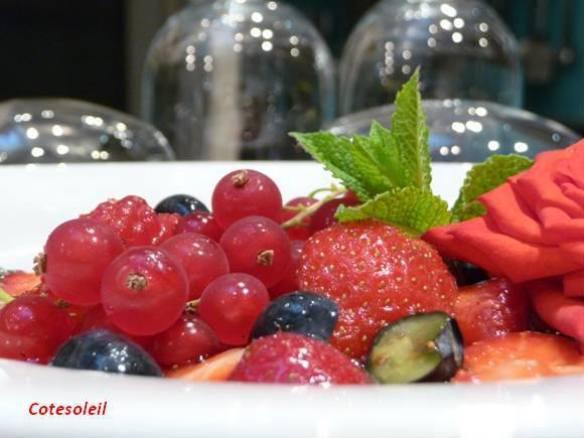 Nage de fruits rouges parfumés vanille de Mada