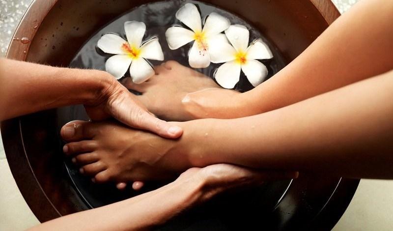 Kết quả hình ảnh cho Ngâm chân thảo dược
