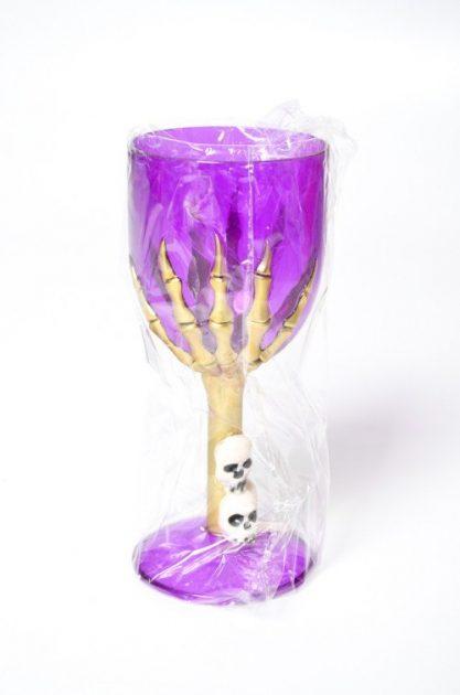 Copa Violeta con mano