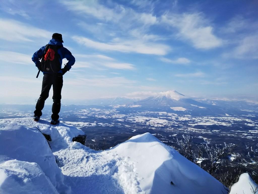 盛岡市姫神山頂上から見る岩手山