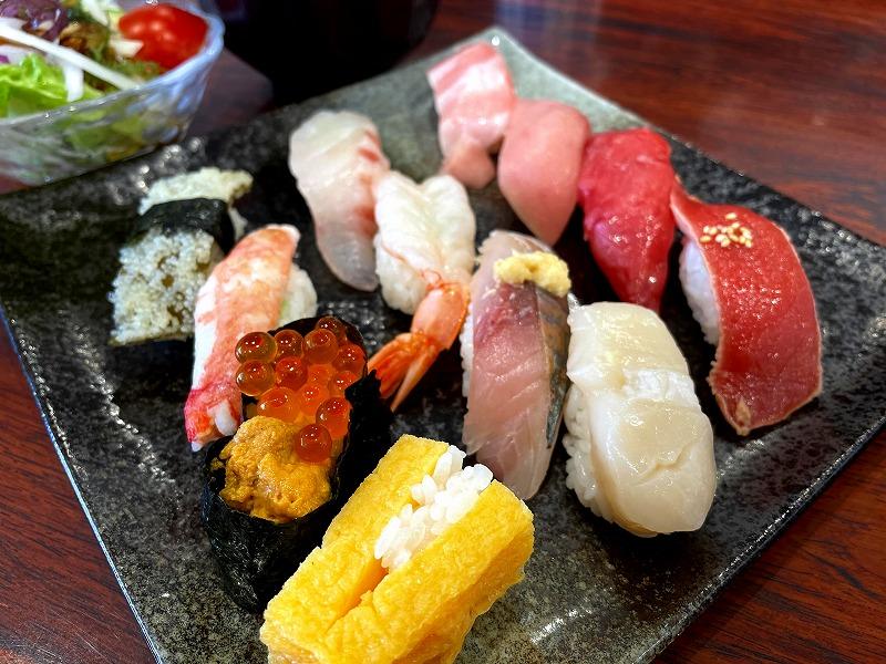 秋田市回鮮まぐろ亭寿司ランチ3