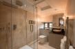 Maytime Inn bathroom