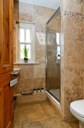 August-Farmhouse-Garden-shower-room