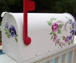 heart wreath with pansies hand painted mailbox