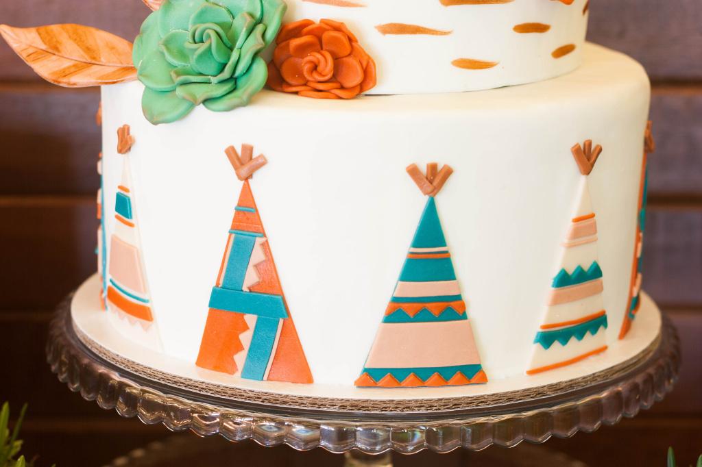 Cake SetsWoodlands Teepee Cottontail Cake Studio