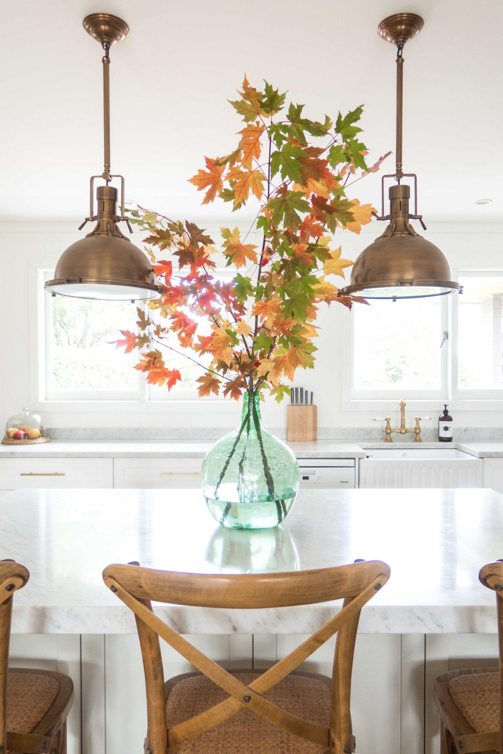 cottonwood-autumn-leaves-kitchen