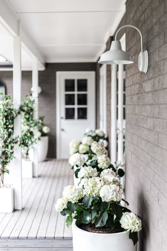 Cottonwood and Co - Our Exterior Barn Lights