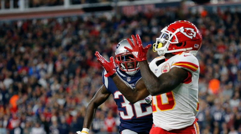 Tyreek Hill, Patriots Fan Banned From Gillette Stadium After Throwing Beer at Tyreek Hill