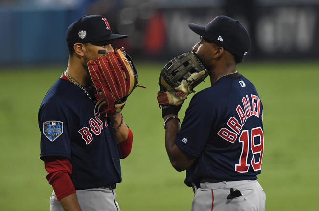 Gold Glove, Gold Glove Winners Announced And the 2018 Red Sox Were All Over Them