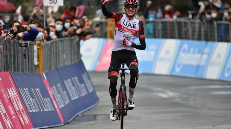 Joe Dombrowski celebrates his victory on stage four of the 2021 Giro d'Italia