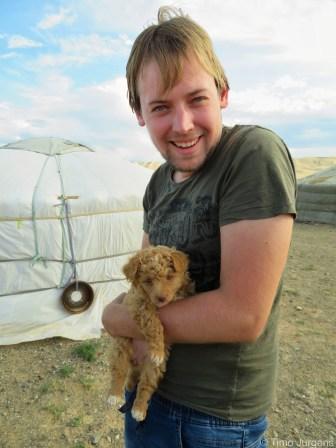 Mongolia Gobi Tour Timo and puppy