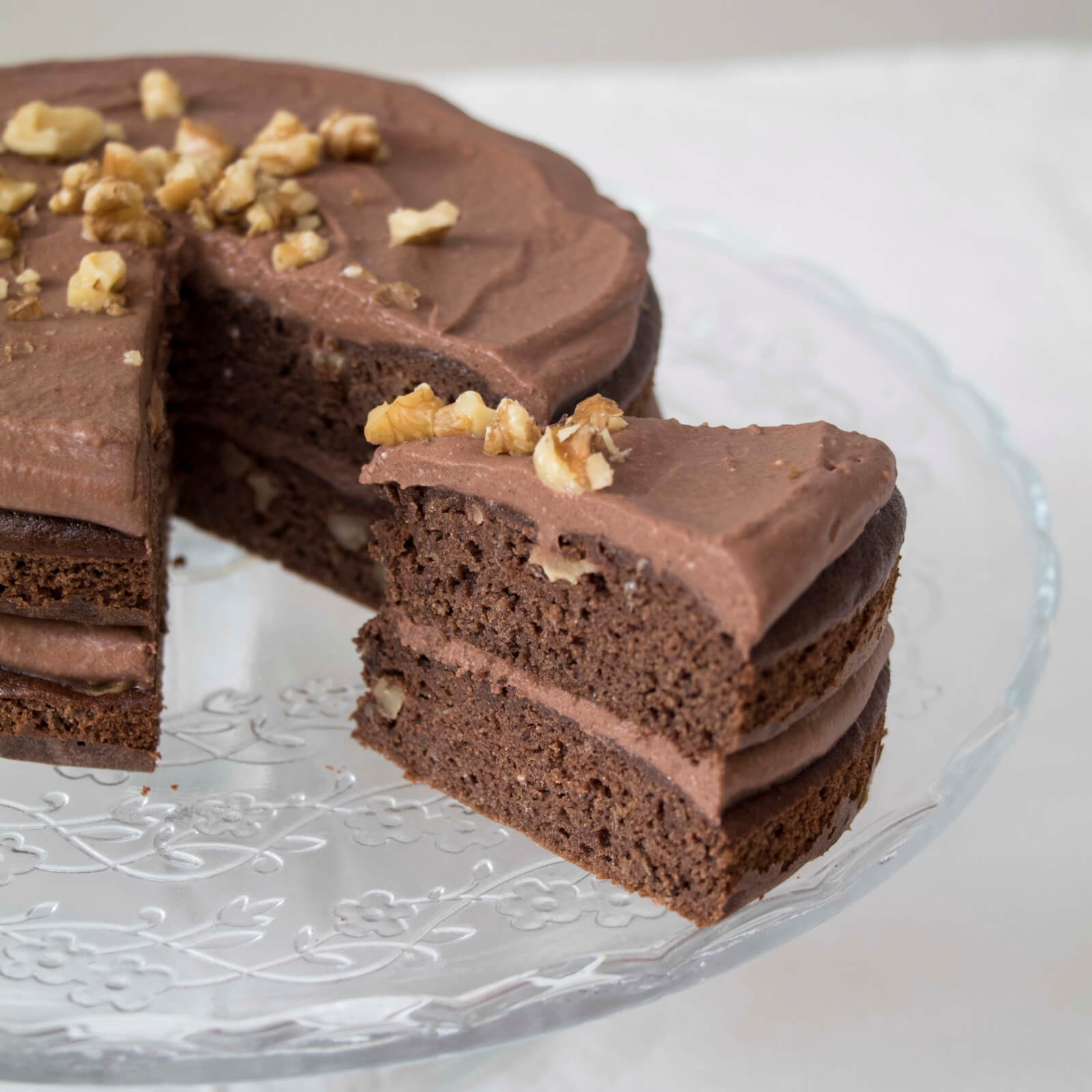 Best-healthy-chocolate-cake-with-chocolate-frosting-easy-recipe