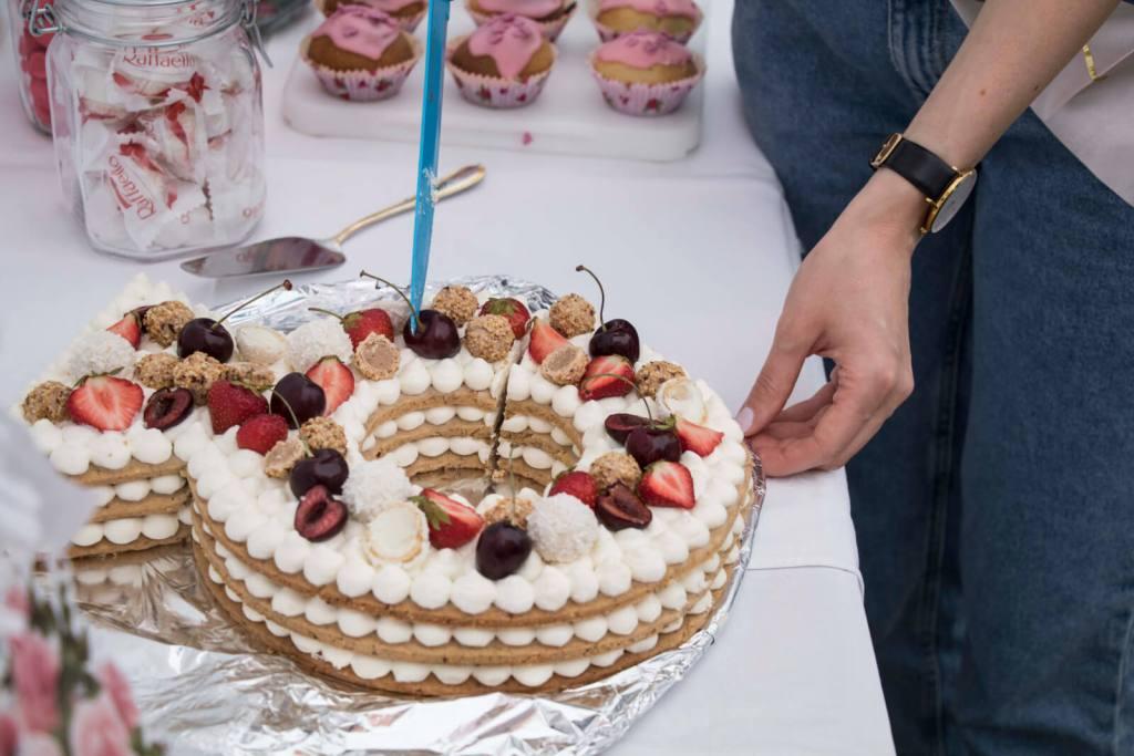 strawberry-Cream-Tart-cake-ring-cake