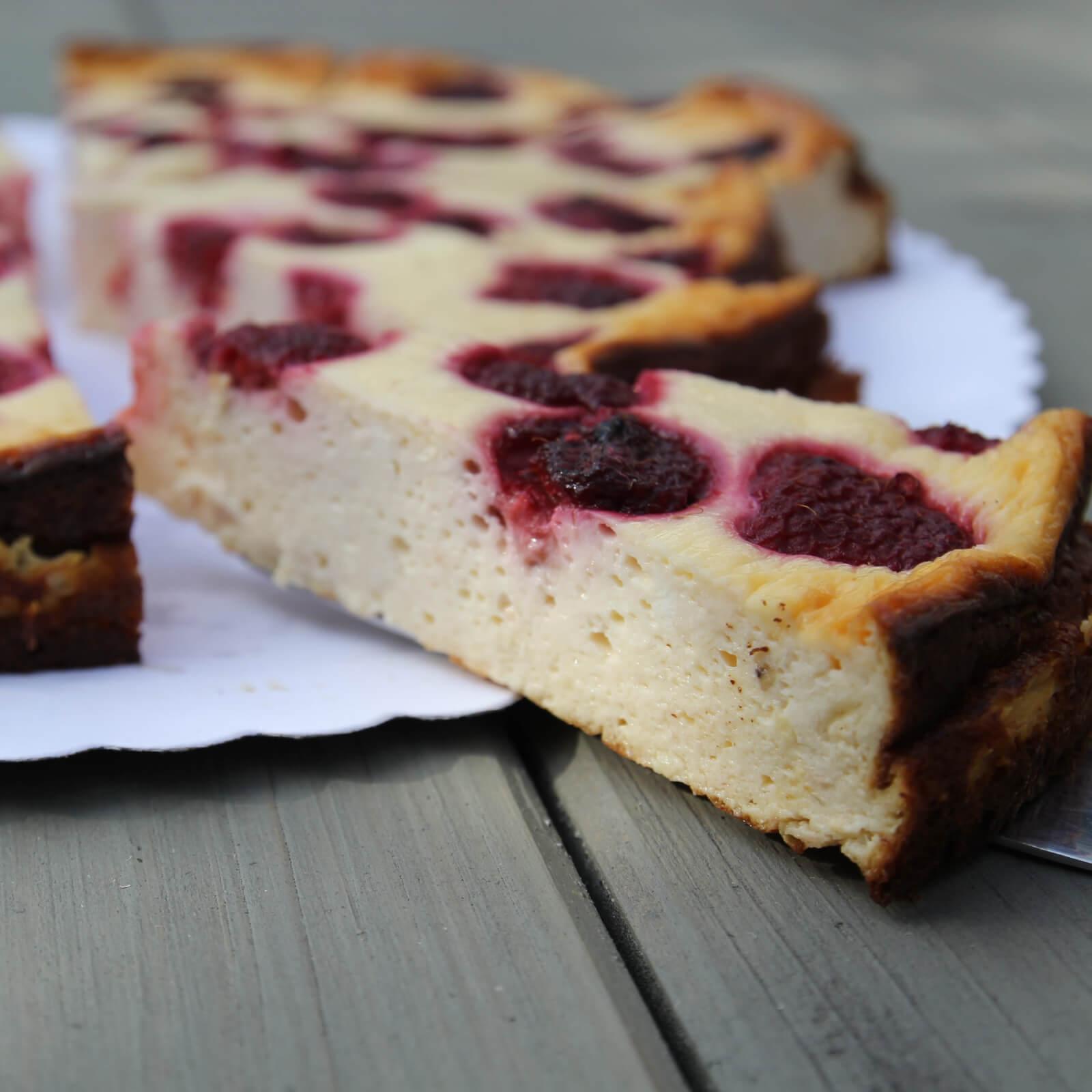 healthy-protein-cheesecake-recipe-strawberries-gesundes-protein-käsekuchen-rezept-Erdbeeren (2)