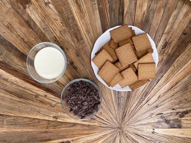 Giant-Maxi-King-Cake-ingredients-Riesen-Maxi-King-Torte-Zutaten (2)