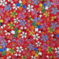 tissu japonais rouge fleurs de cerisier multicolores et dore