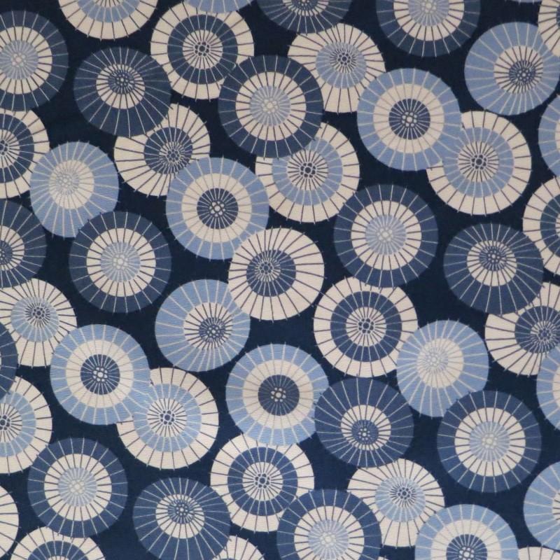 tissu japonais bleu nuit motifs d ombrelles