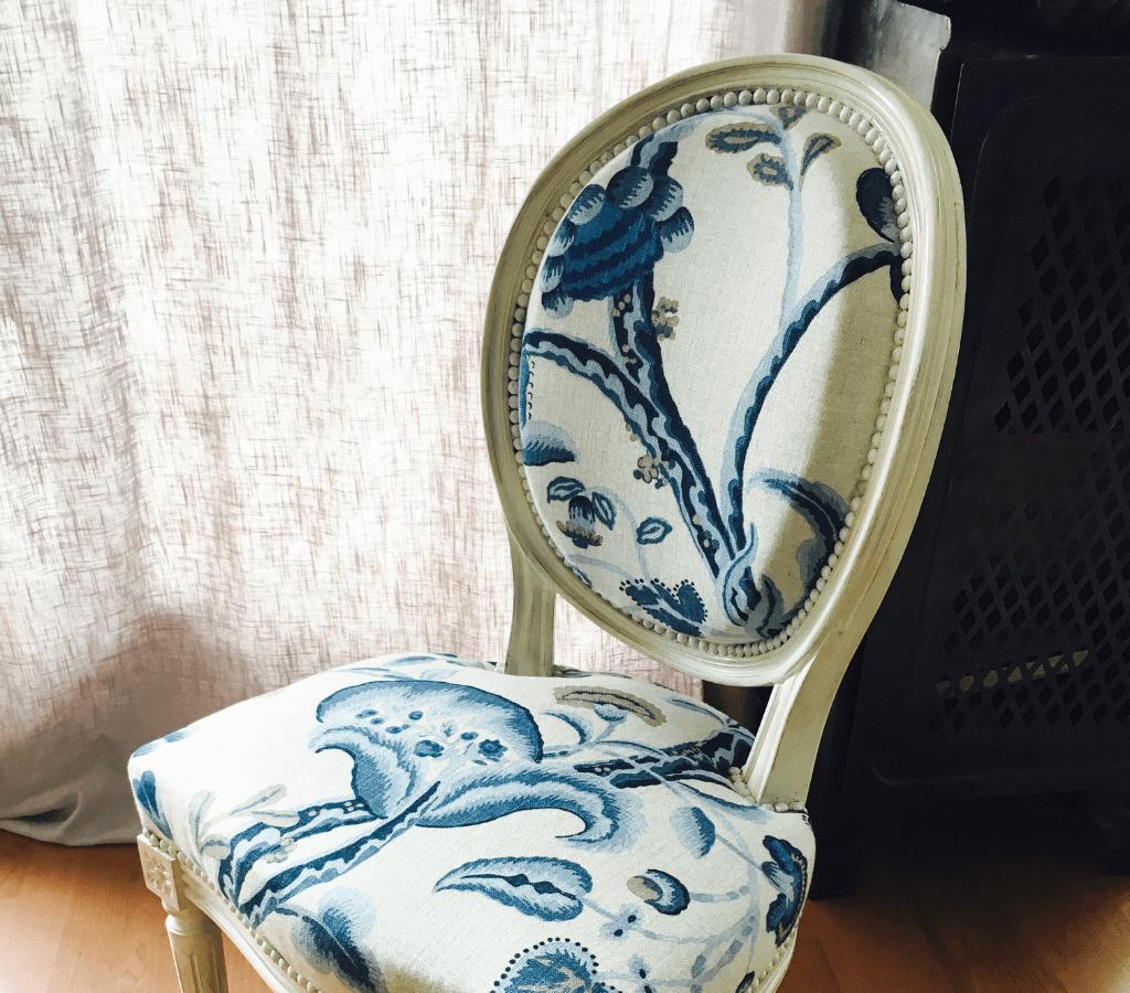 Tapissier chaise Bordeaux - Chaise médaillon Louis 16