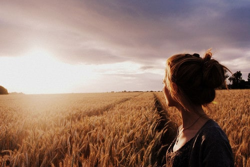 girl-hay-sky-sunset-Favim.com-429326