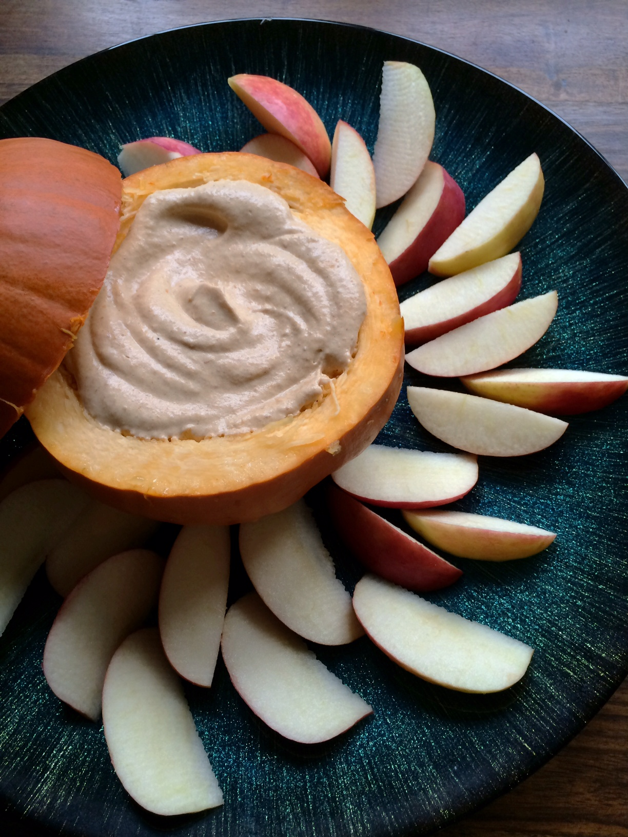 Fluffy Pumpkin Pie Dip With Greek Yogurt