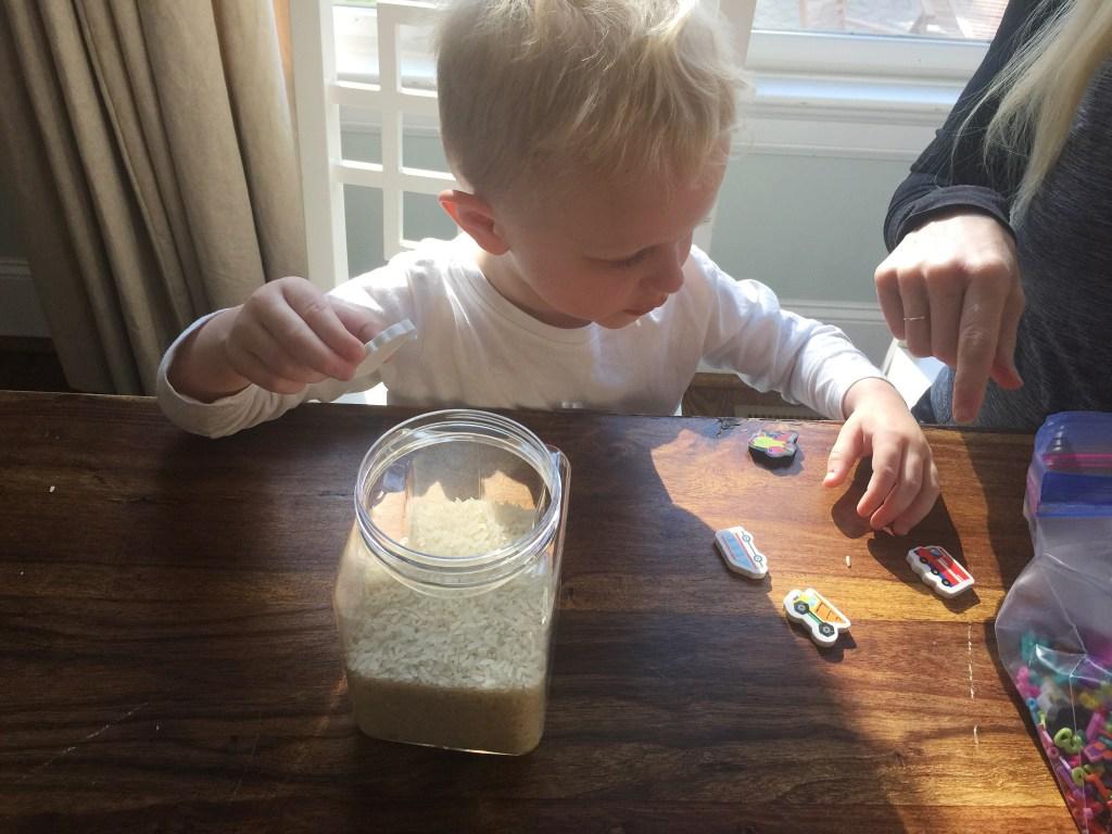Create a toddler i spy bottle