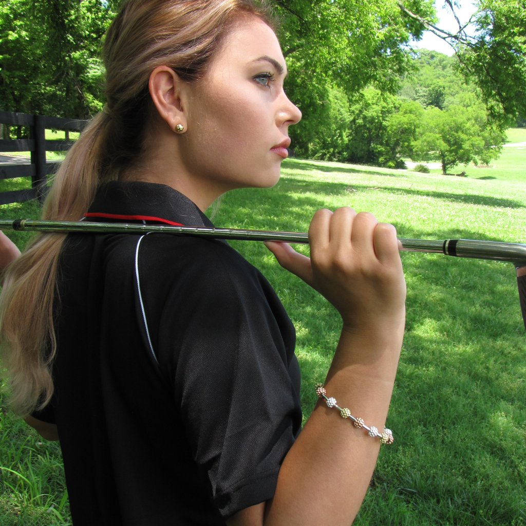 Holiday Gift Guide For Stylish Women Golfers