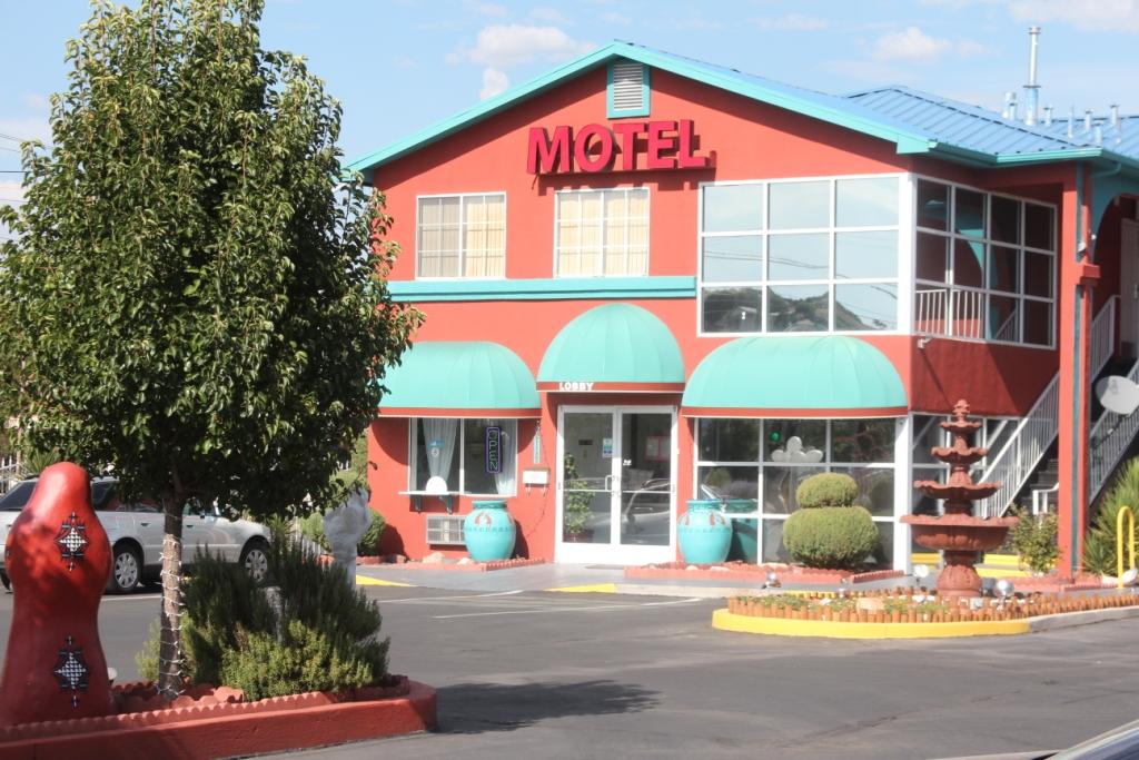 Motel Sandia Peak et ses décors typiques du Nouveau-Mexique