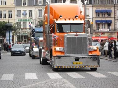 Festival de Cambrai - La Parade du dimanche matin, les trucks