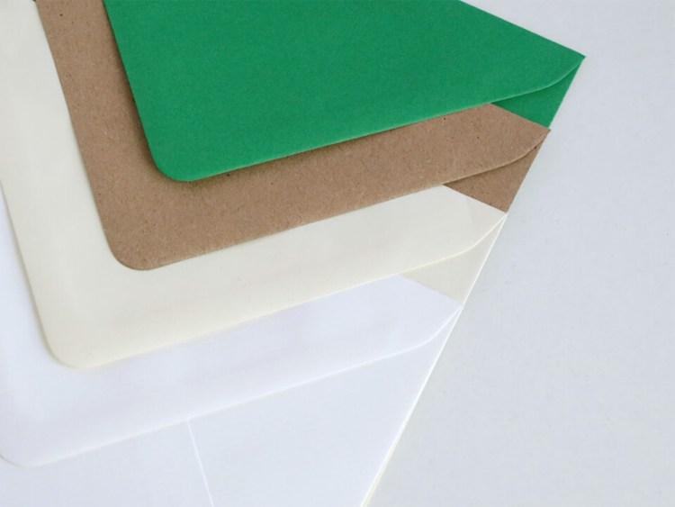 Sobres para bodas y eventos, verde, kraft, crema y blanco