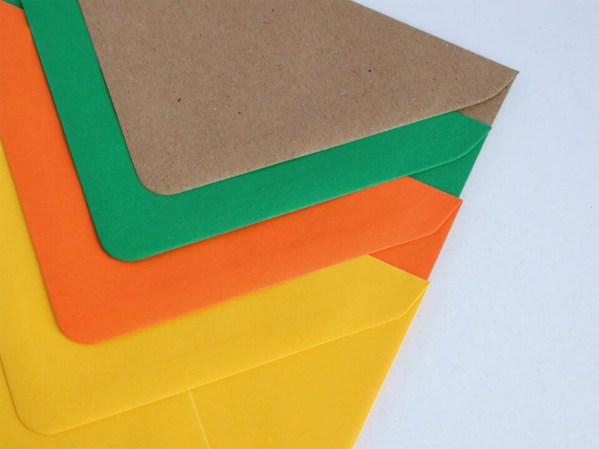 Sobres para bodas y eventos, kraft, verde, naranja y amarillo