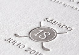 invitación de boda con relieve letterpress