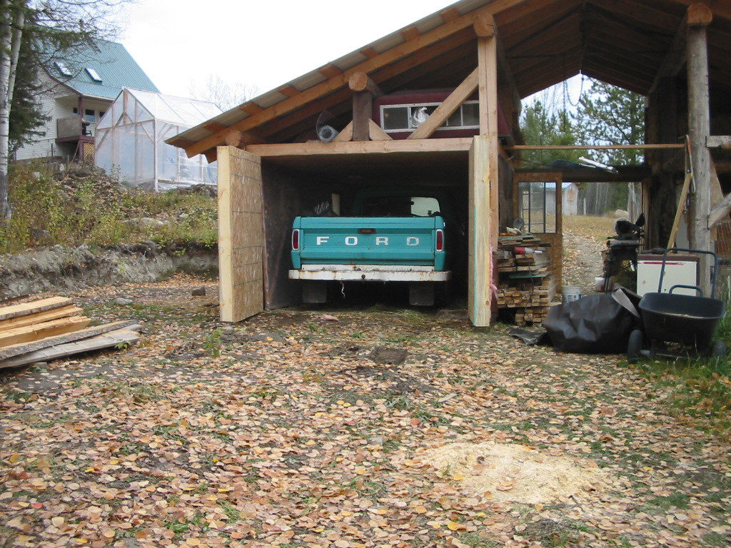 building a barn, raising pigs